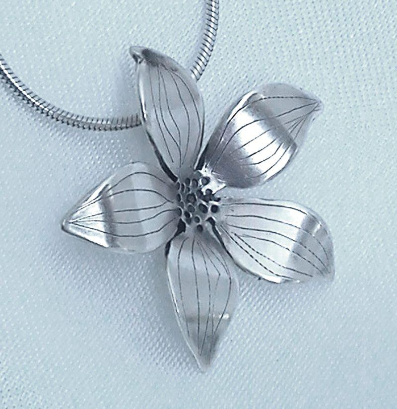 large-flower-pendant-1