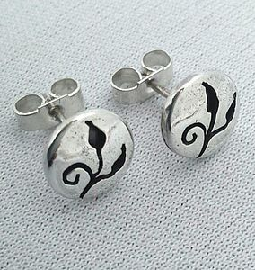 preview_silver-stud-earrings-with-leaves-design