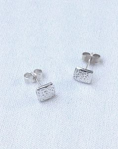 preview_simple-square-silver-stud-earrings