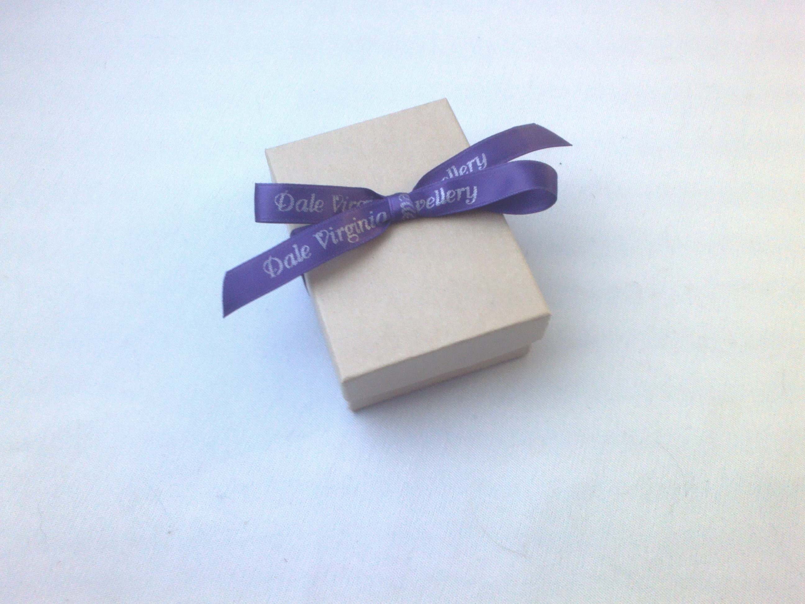 Gift box with bow1